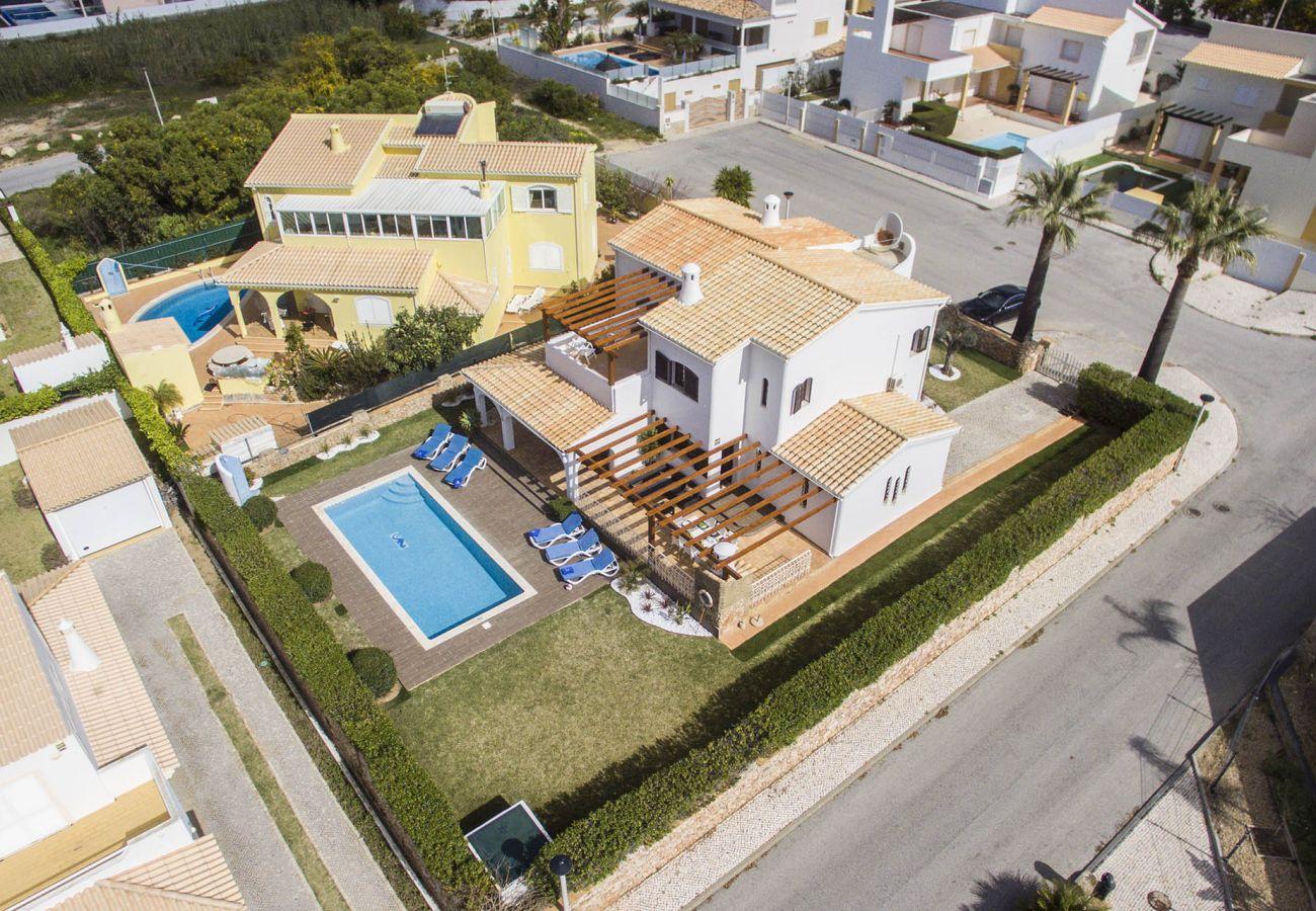 Villa em Galé - Villa Magali   4 Quartos   a Pé da Praia   Galé