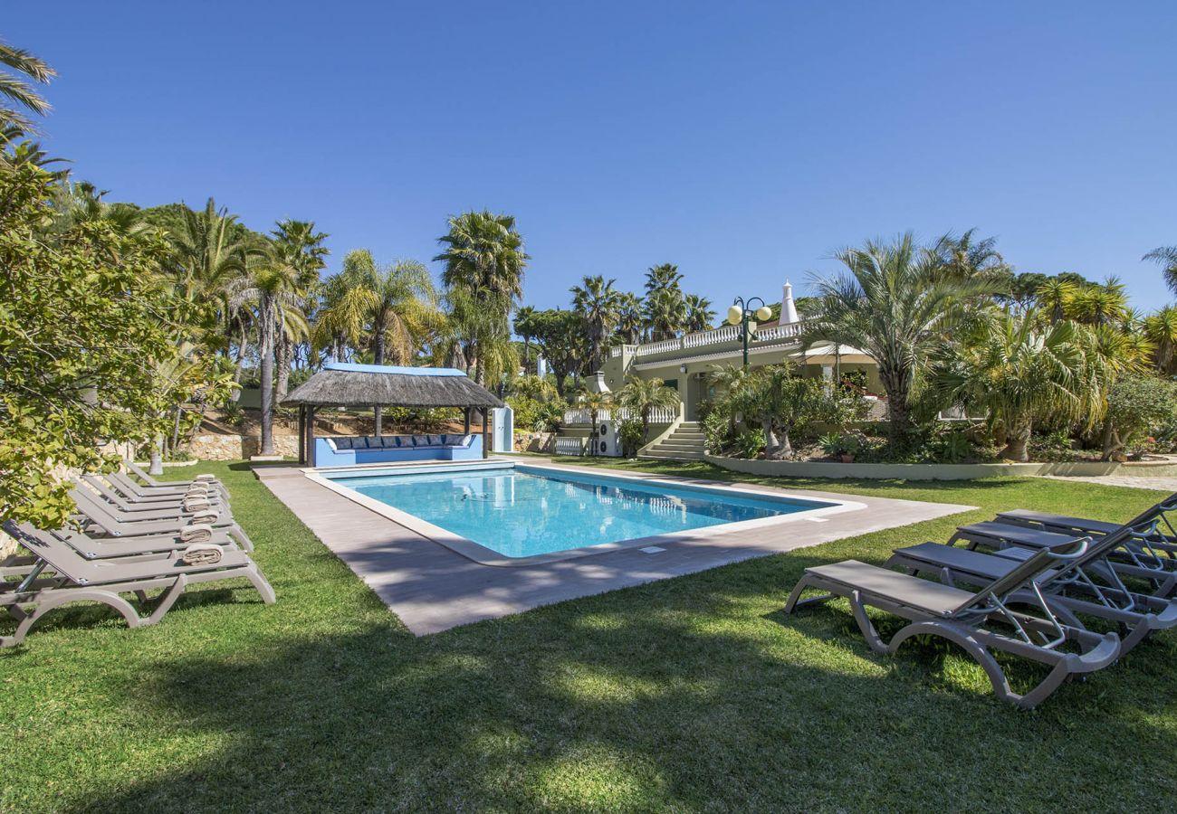 Villa in Vilamoura - Villa Natura | 6 Bedrooms | Beautiful Garden | Fonte Santa | Vilamoura