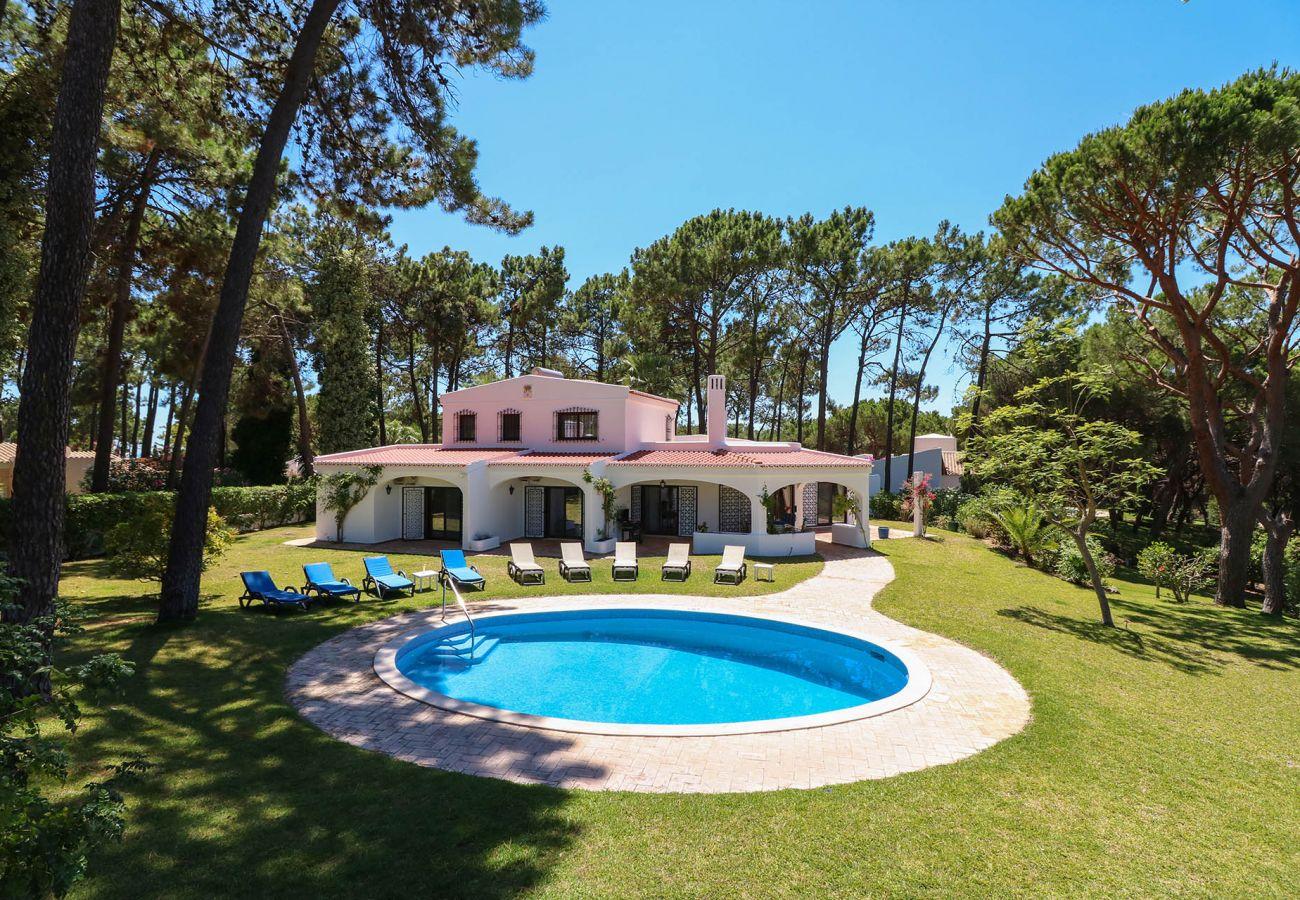 Villa in Vilamoura - Villa Joselina   4 Bedrooms   Golf Views   Vilamoura