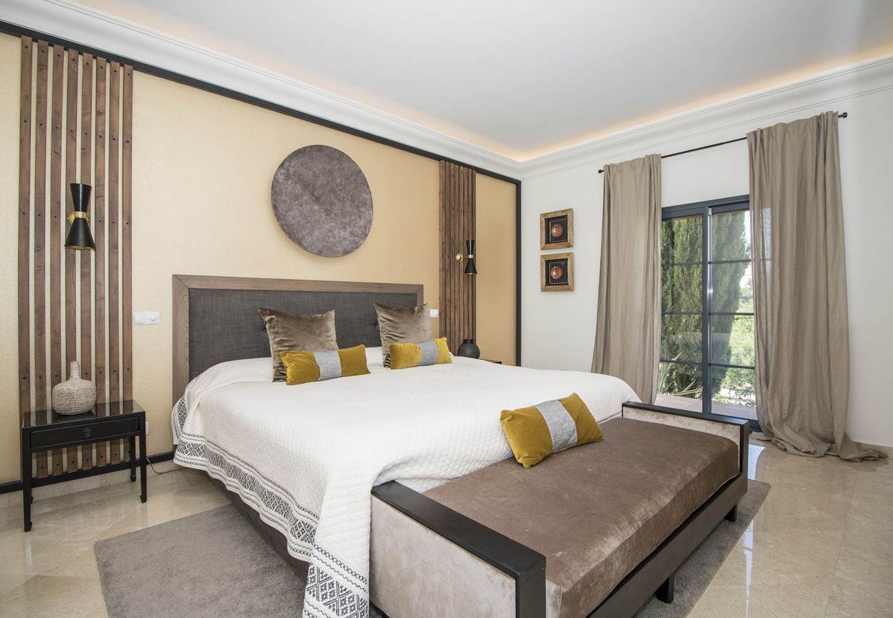 Villa in Almancil - Villa Esmeralda   5 Bedrooms   Classy   Almancil