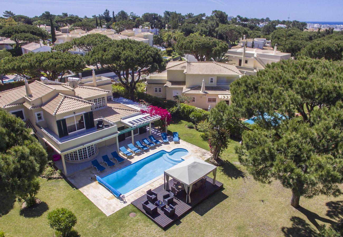 Villa in Vilamoura - Villa Popa   7 Bedrooms   Golf Views   Vilamoura